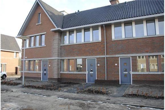 Badkamer Helmond : Huurwoningen Woonhuis huren in Helmond Lindehof ...