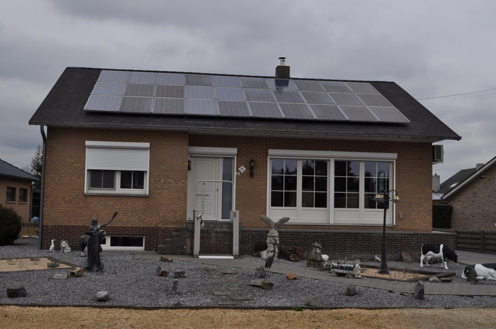Instapklare woning in rustige groene omgeving.